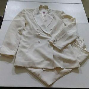 Liz Claiborne 2pc pants suit